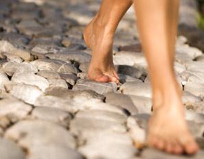 walking-barefoot-298x232